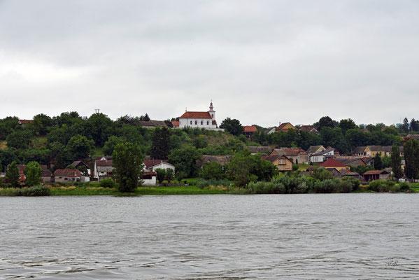 Unterwegs an der Donau, Blick nach Banostor