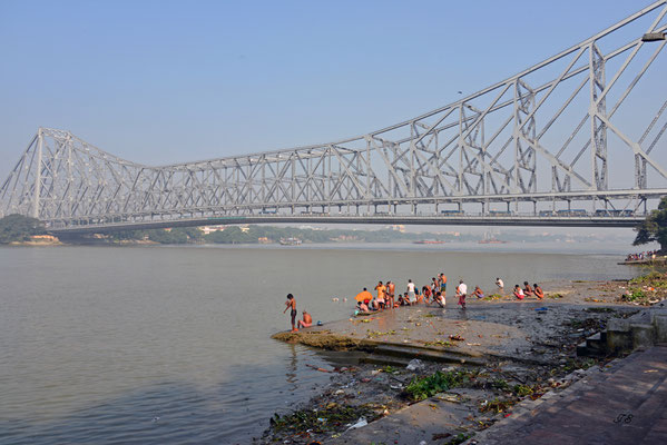 """Howrah-Bridge"""
