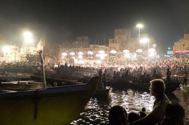 Abendzeremonie am Ganges