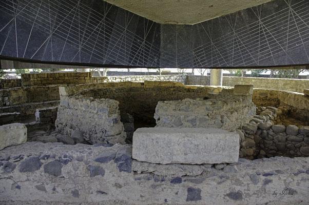 Reste der byzantinischen Basilika unter der Kirche