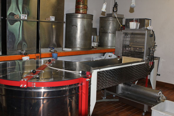 Machine à désoperculer et extracteur
