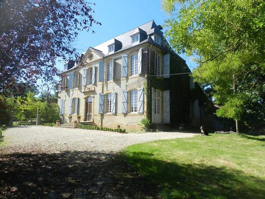 Rent of rooms Castle Sauvéméa Arrosès (Vic-Bilh / Madiran)
