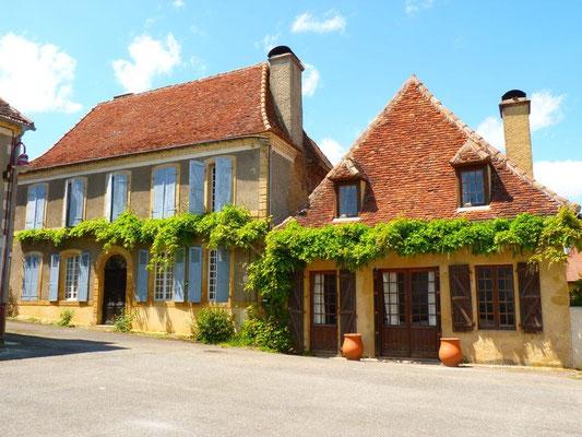 Conchez-de-Béarn : architecture of Bearn (Vic-Bilh/Madiran)