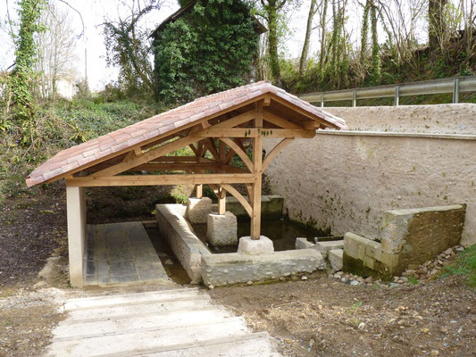 Bastide circuit of Lembeye - washhouse (Vic-Bilh / Madiran)