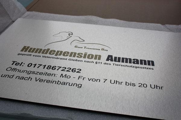 Firmenschild 400 x 300 mm alugebürstet