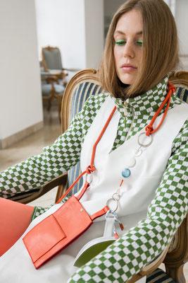 Foto: Michelle Geist, Model: Greta Meyer, Fashion: Veronique Schweizer, Flanellemagazine