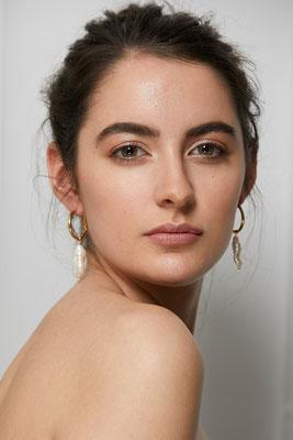 Foto: Andreas Polder, Model: Lisa Graf, Schmuck: Veronique Schweizer