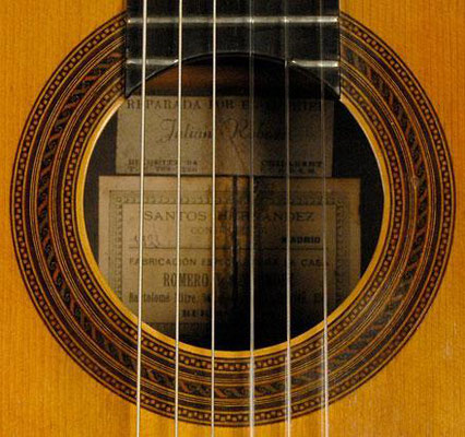 Santos Hernandez 1921 - Guitar 2 - Photo 1