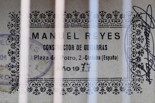 Manuel Reyes 1977 - Guitar 1 - Photo 2