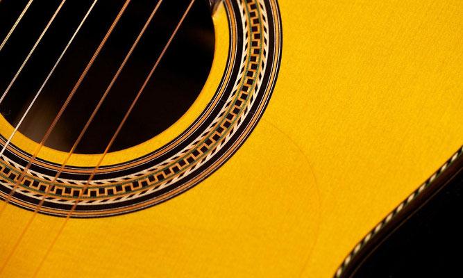 Lester Devoe 2011 - Guitar 1 - Photo 7