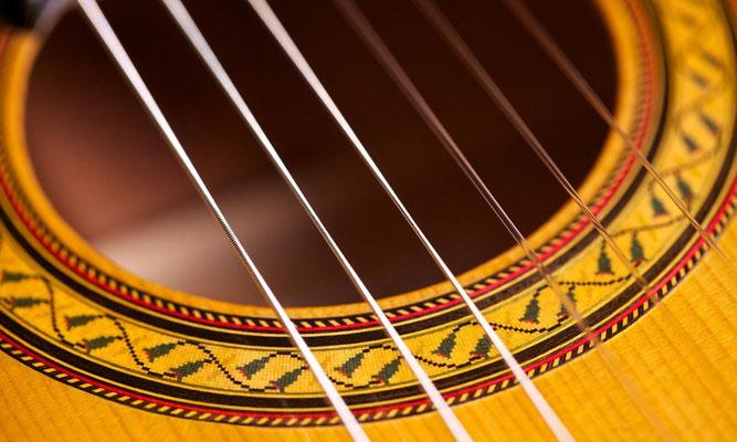 Manuel Reyes Hijo 2005 - Guitar 3 - Photo 9