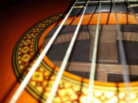 Hermanos Conde 1980 - Guitar 3 - Photo 5