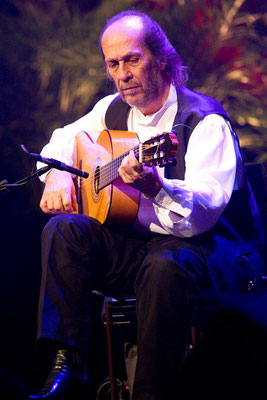Lester Devoe 2010 - Paco de Lucia - Guitar 2 - Photo 2