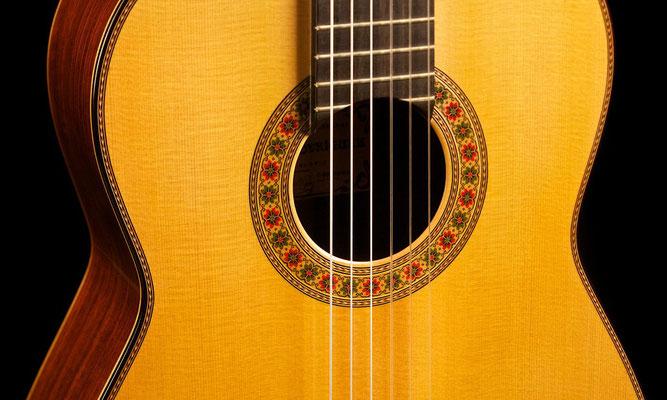Miguel Rodriguez 1992 - Guitar 1 - Photo 2