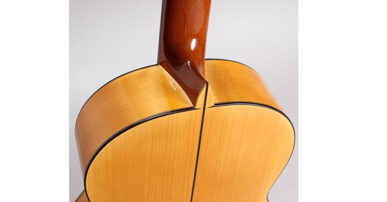 Francisco Barba 2011 - Guitar 2 - Photo 1