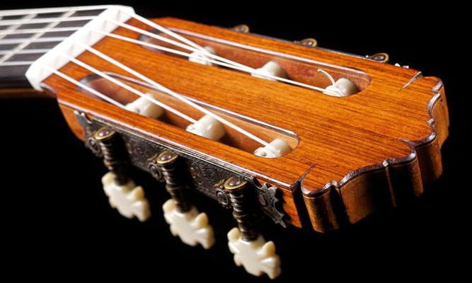 Miguel Rodriguez 1970 - Guitar 2 - Photo 11