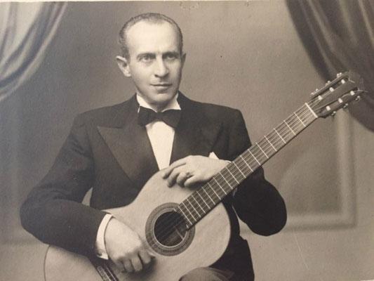 Santos Hernandez 1926 - Guitar 1 - Photo 32
