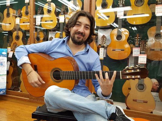 Hermanos Conde 1981 - Guitar 7 - Photo 1