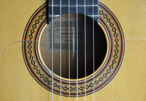 Manuel Reyes 1971 - Guitar 1 - Photo 2