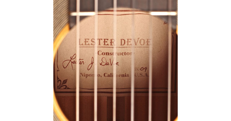 Lester Devoe 2009 - Guitar 2 - Photo 4