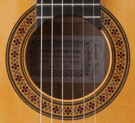 Manuel Reyes Hijo 2010 - Guitar 2 - Photo 6