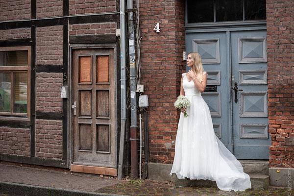 Brautpaarshooting-Hochzeitsfotograf-Paarshooting-Lueneburg(12von18)