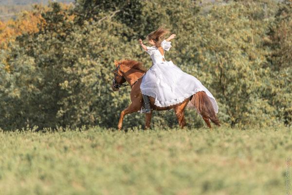 Fotoshooting mit Pferden Cosplay