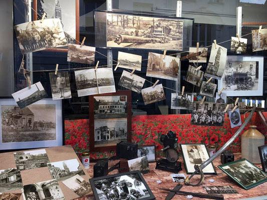 """Albert- juin-juillet : les commerces décorent leurs vitrines """"Centenaire"""""""