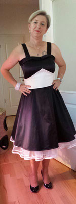 Damenkleid Petticoat Schwarz Weiss