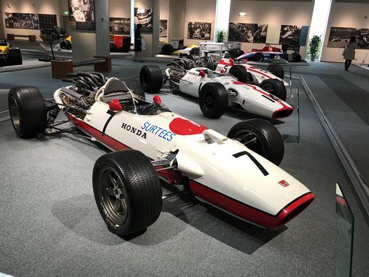 F1マシンはこの頃の形が一番かっこいい。