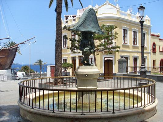 Zwergendenkmal am Schiffsmuseum, Plaza Alameda