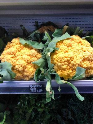 Die Farbenpracht von Gemüse in der Hobenköök ist immens und geht dabei weit über das hinaus, was handelsüblich in Supermärkten erhältlich ist.