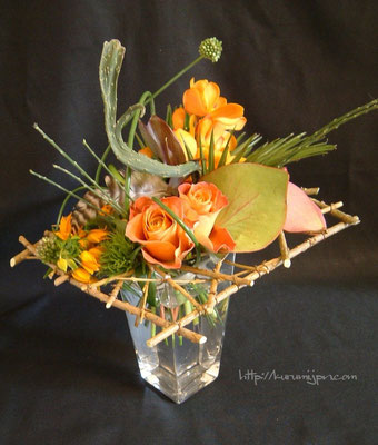 花束:枠を入れる事で個性が出てきます。(ブーケタイプ)