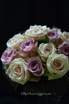花束:バラをシンプルに束ねて。(ブーケタイプ)