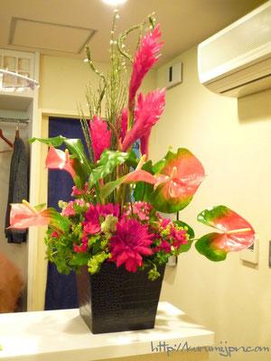 生け込み:カウンターの花