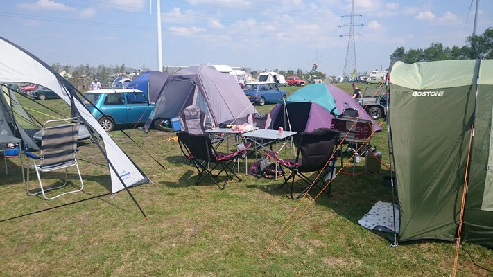 Camp ist aufgebaut, bei schönstem Wetter..
