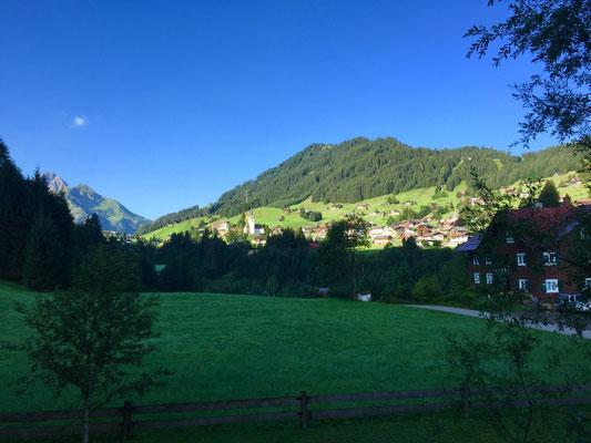 Blick nach Hirschegg - Foto: Dietmar Walter