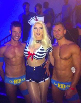 Drag Queen Innsbruck - Sindy Sinful mit den Tänzern der Sinners Over The Seas