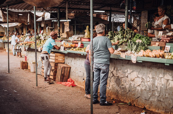 Fruit market in Centro Habana