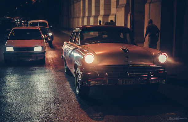 La Habana at night