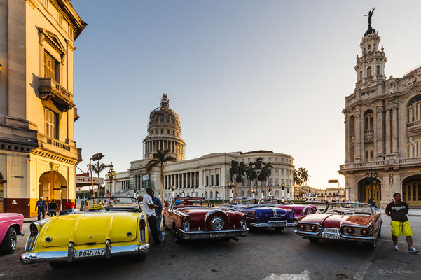 Oldtimers and El Capitolio