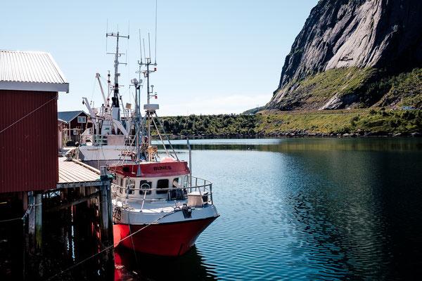 Reine ferry pier