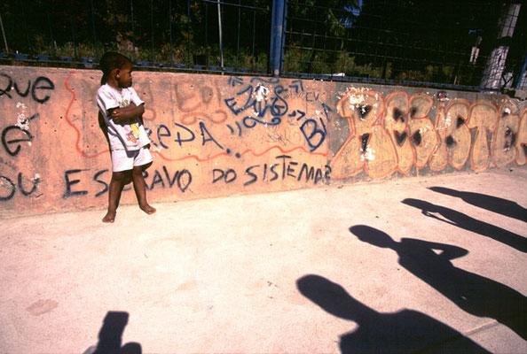 Rio de Janeiro, Die Favela Rocinha, das größte Armenviertel Brasiliens, wo laut amtlichen Angaben etwa 100.000 Menschen leben.