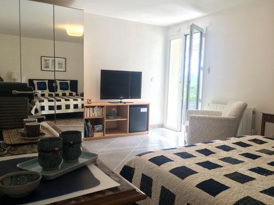 La chambre d'hôtes Zen avec son espace thé/café (Villa Victoria Chambres d'hôtes en Auvergne)