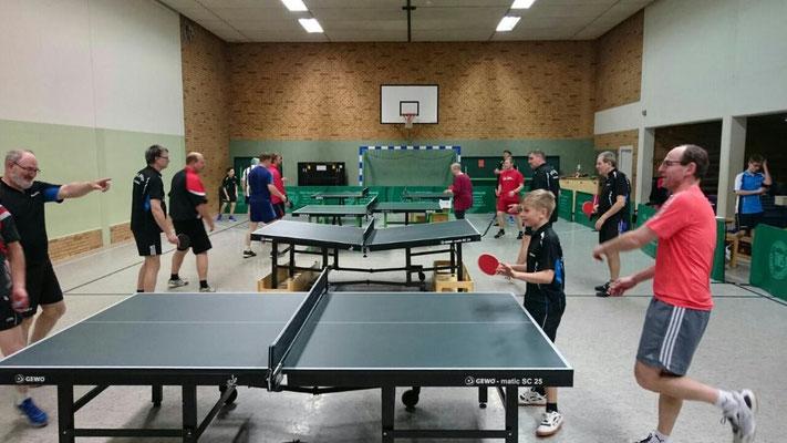Spielszenen hier mit niklas Freitag und Michael Scheib