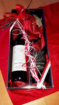 Geschenkidee: Karton mit zwei Flaschen Wein