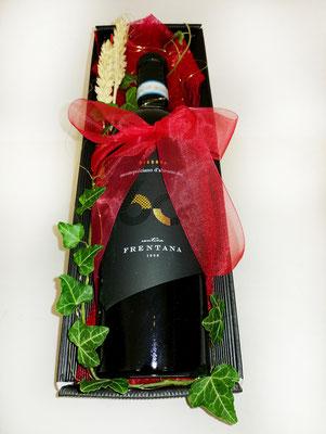 Geschenkidee: Karton mit einer Flasche Wein