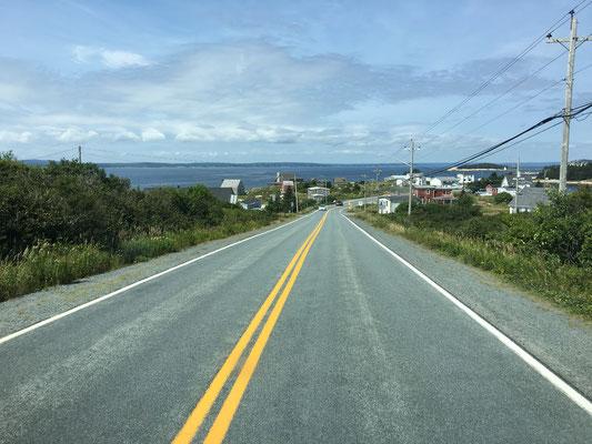Überhaupt sei der/dem Nova Scotia-Reisenden St. Margarets Bay empfohlen! Bildschöne Buchten mit felsigen Küsten und malerische Fischerdörfchen noch und nöcher!