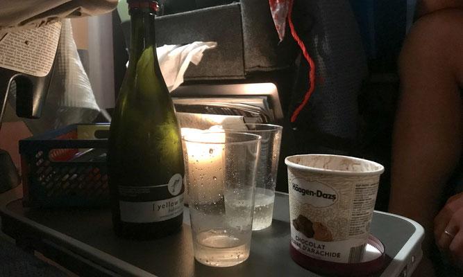 Letzter Campingabend: Sekt und Eis für die Eltern (Eis gab es auch sonst des öfteren)