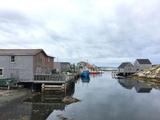 """Dann erscheint nämlich das """"meist fotografierte Fischerdorf Kanadas"""" in recht urigem Urzustand."""
